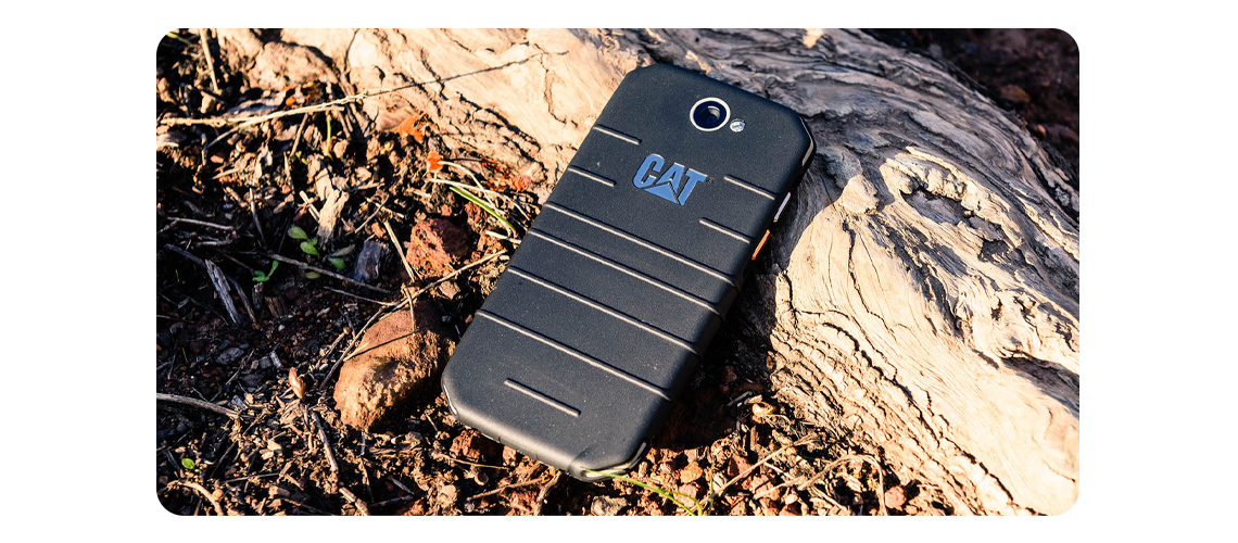 Das Smatphone mit Corning Gorilla Glass 3 Display und Batteriekapazität von 4000 mAh CAT S31 Dual SIM LTE Schwarz