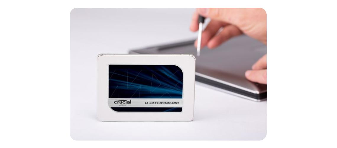 Einbau der Festplatte Crucial MX500 2,5 Zoll