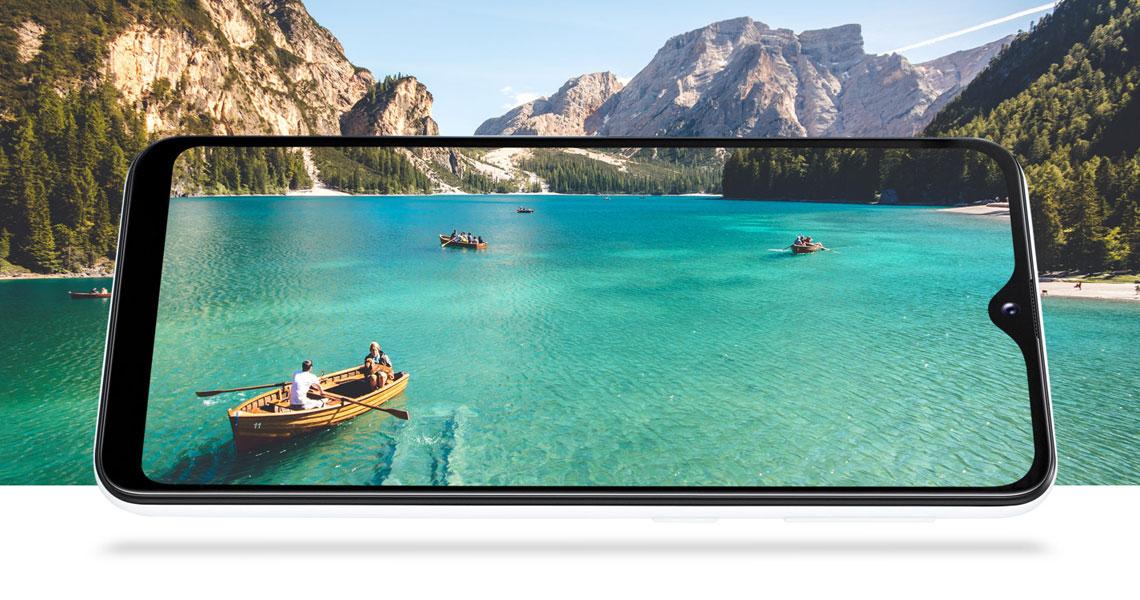 5,8 Zoll Display mit HD Auflösung im Smartphone SAMSUNG Galaxy A20e 32GB Schwarz