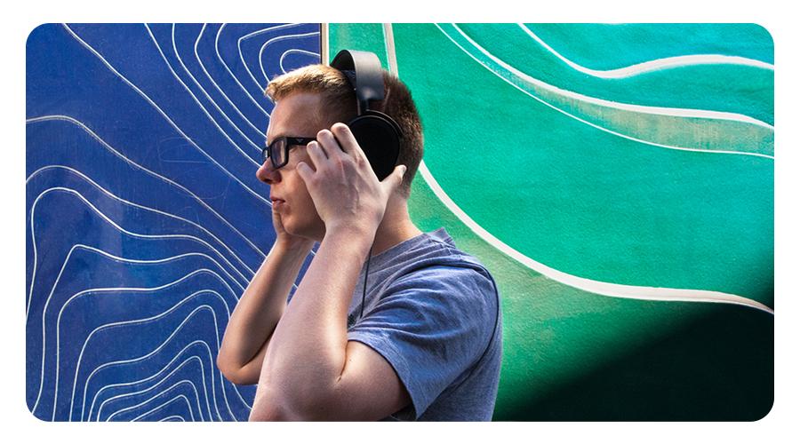 Das ClearCast Mikrofon im Kopfhörer STEELSERIES Arctis 5 Gaming Headset