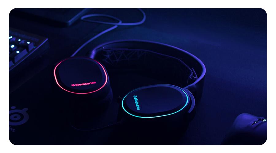 Der Skibrillenriemen im Kopfhörer STEELSERIES Arctis 5 Gaming Headset
